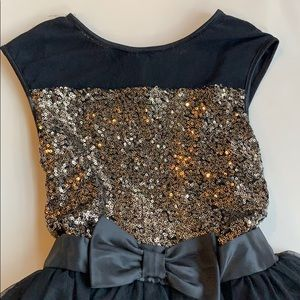 Zunie Dresses - Super pretty black and gold dress with tulle